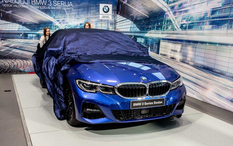 Naujojo 3 serijos BMW atvykimo proga – visų kartų modelių ekspozicija