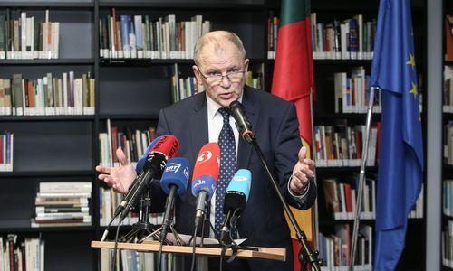 Kandidatas į prezidentus V. Andriukaitis surinko parašus