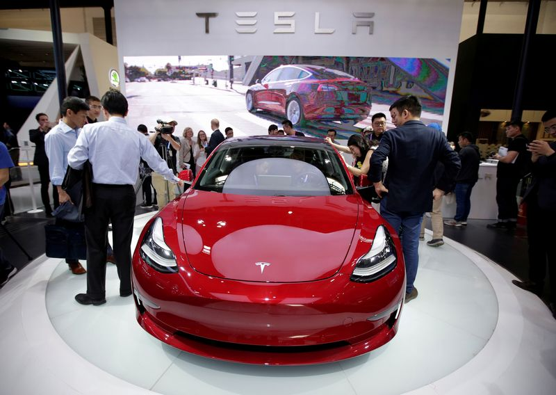 """Tesla Model 3"". ""Reuters""/""Scanpix"" nuotr."