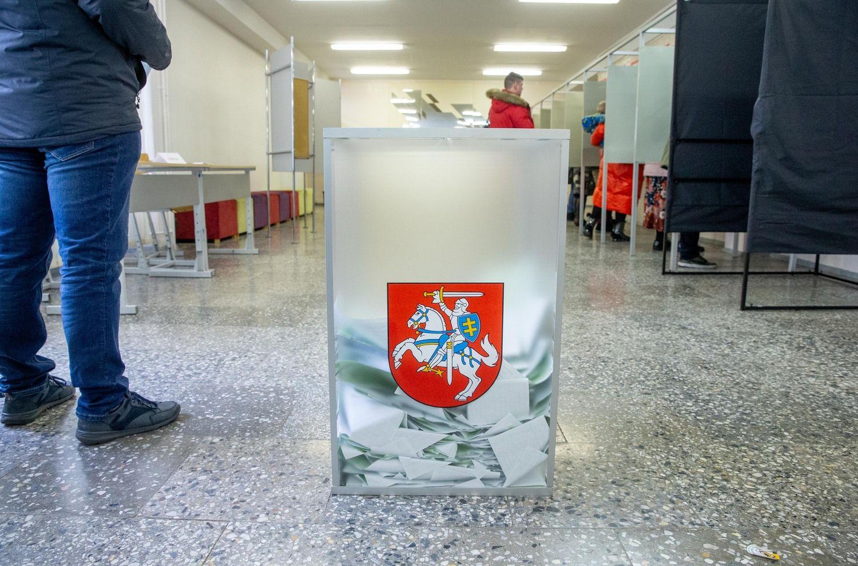Balsavimas baigtas, skaičiuojami biuleteniai