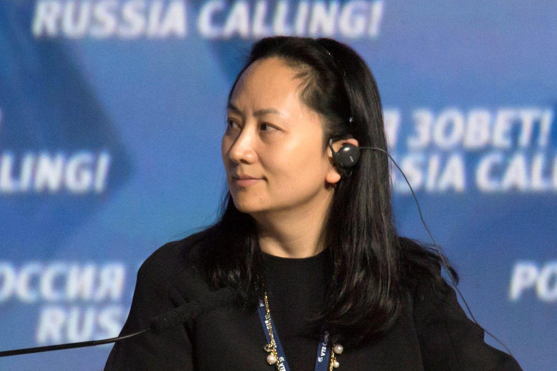 """""""Huawei"""" įkūrėjo dukra į teismą duoda Kanados vyriausybę"""