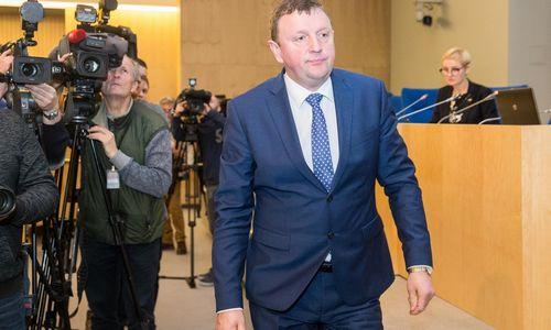 Mero postą užsitikrino vienas Seimo narys, kovą tęsia keturi