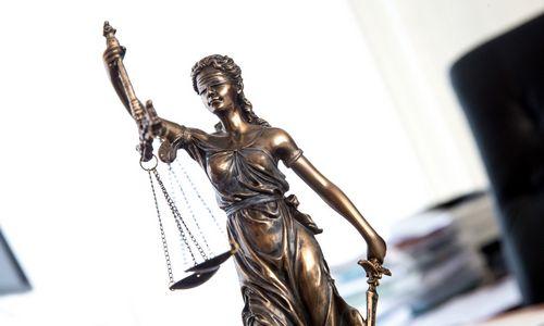 Iš naujo pradedama nagrinėti korupcijos byloje įtarimų sulaukusio teisėjo byla