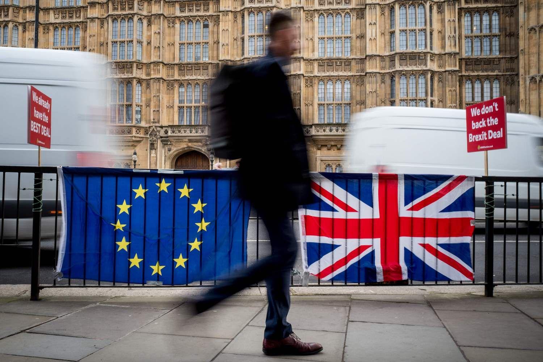 """Paaiškino, kokias išmokas lietuviai gauspo """"Brexit"""", žinotina visiems"""