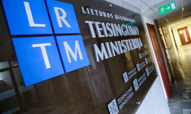 Teisingumo ministerija kas pusmetį skelbia Lietuvoje registruotų partijų narių skaičių. Vladimiro Ivanovo (VŽ) nuotr.