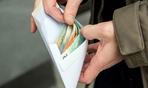 Kaune pradėtas tyrimas dėl bandymo papirkti Darbo inspekcijos pareigūną