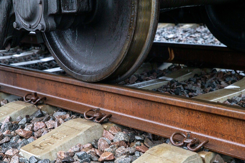 Bus statoma geležinkelio atšaka į Akmenės LEZ