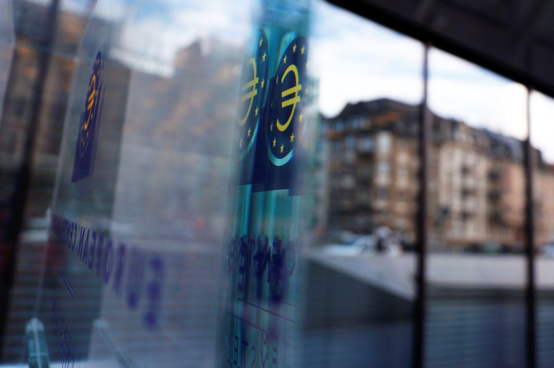 Biržose vertinti ECB žingsniai