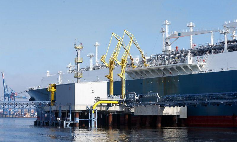 Suskystintų gamtinių dujų laivas-saugykla. Vladimiro Ivanovo (VŽ) nuotr.