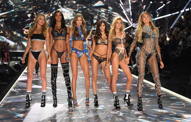 """""""Victoria's Secret"""" teks iš naujo atrasti sėkmės raktą"""