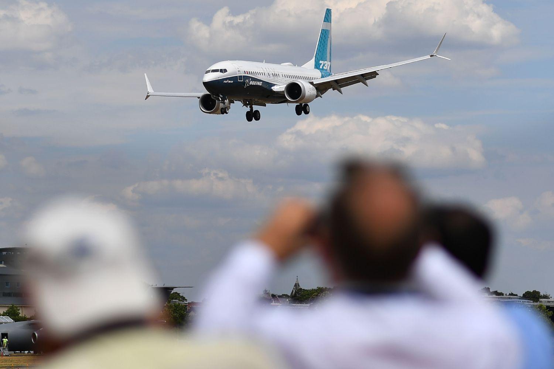 """""""Boeing"""" akcijos toliau patiria išpardavimą"""