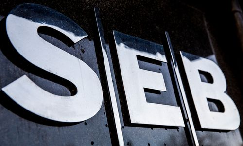 SEB: į akcijas žiūrime palankiai