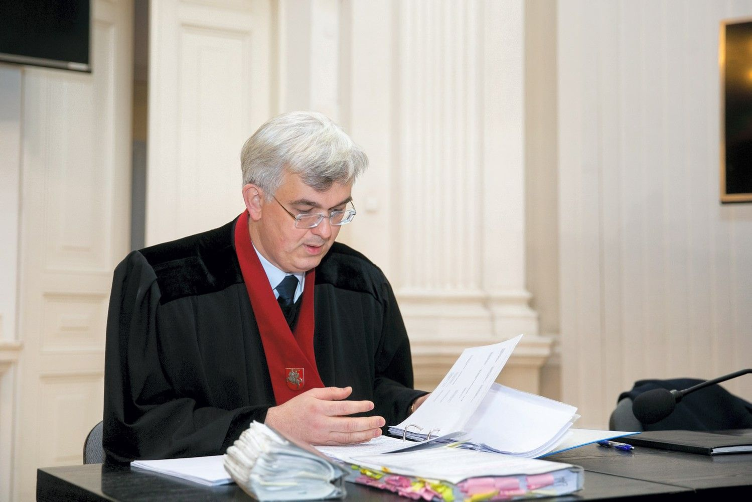 Teismas: prokuroras galėjo skųstis dėl suvaržymų R. Kurlianskiui ir E. Masiuliui