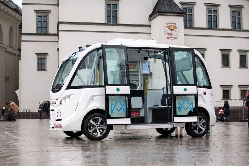 Vilniuje pristatytas savaeigis automobilis. Juditos Grigelytės (VŽ) nuotr.