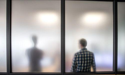 Neigiamos vadovų savybės, kurios skatina keisti darbą