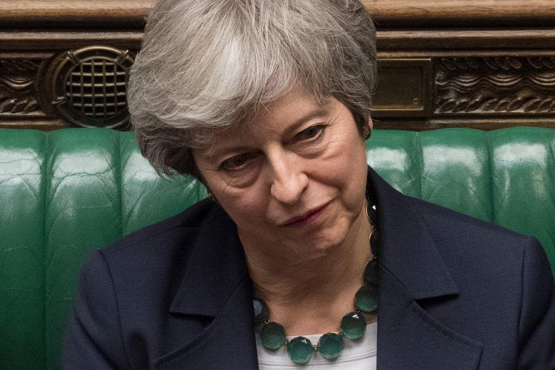 """Britai artėja prie """"Brexit"""" atidėjimo: Th. May nepasiduoda dėl savo susitarimo"""