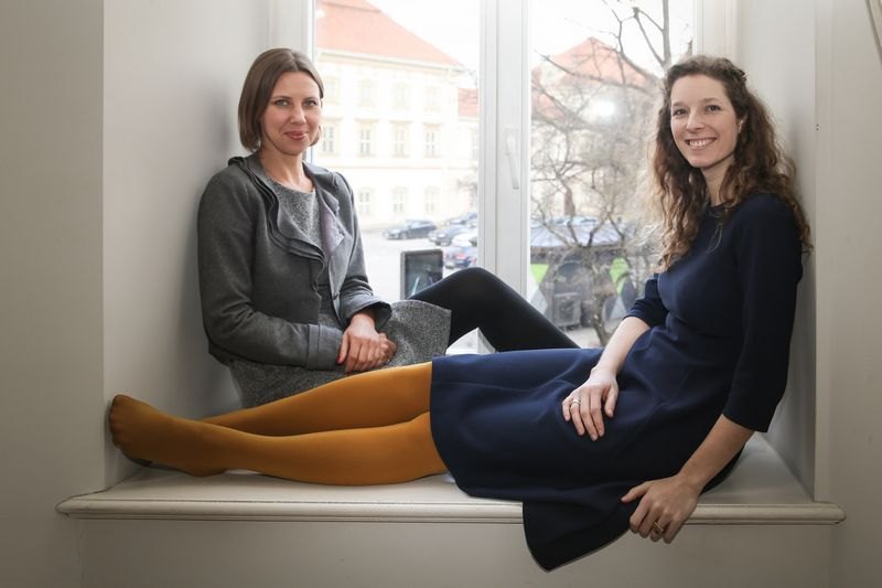 """Raminta Lilaitė (kairėje) ir Kristina Skindelytė, """"Blue Oceans PR"""" įkūrėjos. Vladimiro Ivanovo (VŽ) nuotr."""