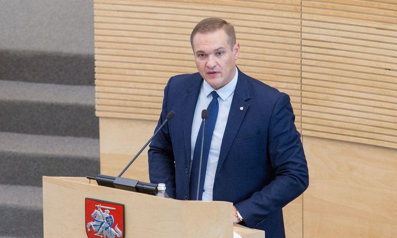 Lietuvos Respublikos Seimo posėdis. Vidaus reikalų ministras Eimutis Misiūnas. Juditos Grigelytės (VŽ) nuotr.