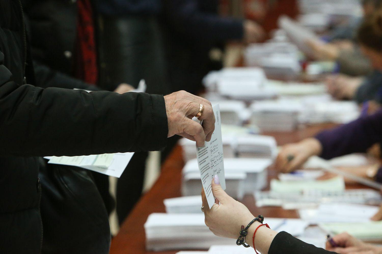 Policija pradėjo du ikiteisminius tyrimus dėl pažeidimų per antrąjį rinkimų turą