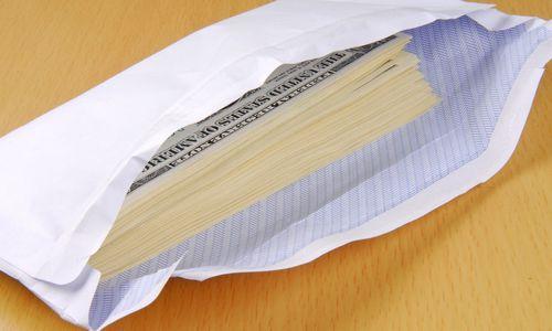 Bankų nuodėmių išaiškinimas: už įskundimą dosniausiai atsilygina JAV