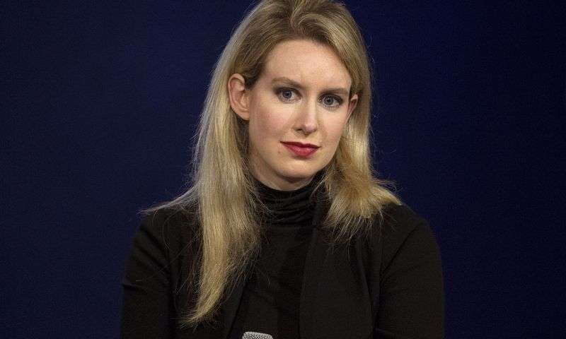 "Elizabeth Holmes, ""Theranos"" įkūrėja.  Brendano McDermindo (""Reuters"" / ""Scanpix"") nuotr."