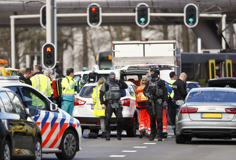 Nyderlanduose sulaikytas šaudymu tramvajujeįtariamas vyras