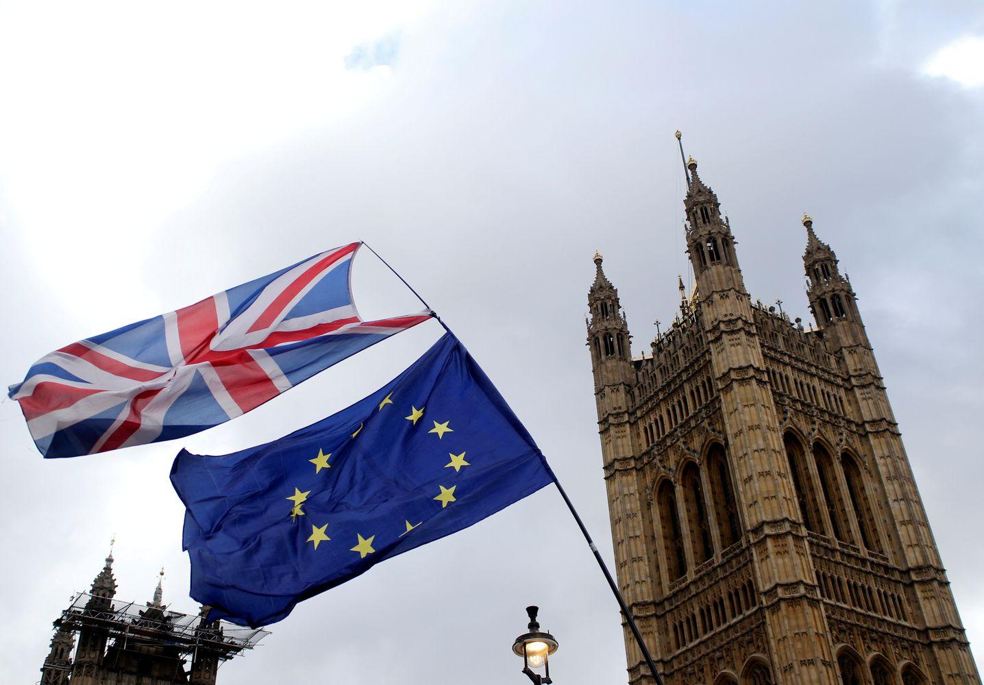 Po balsavimų maratono – JK ir ES skyrybos vis dar migloje