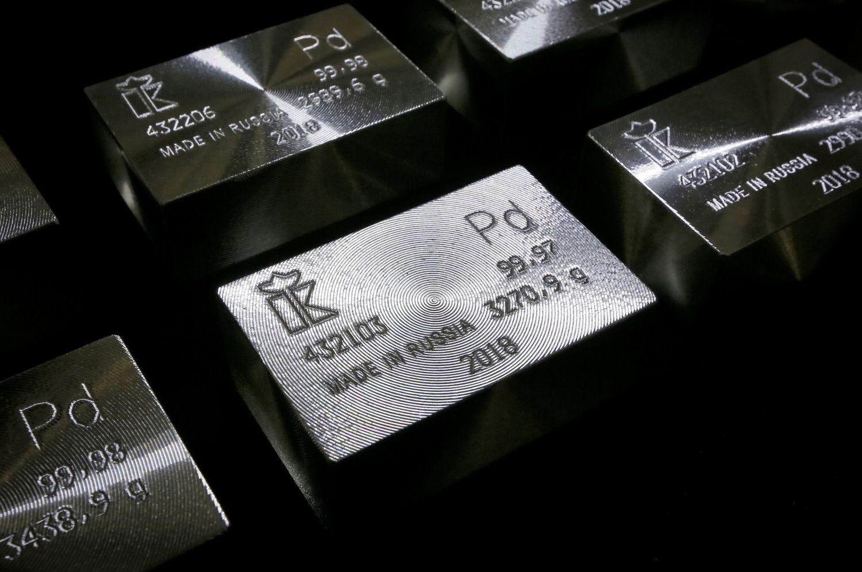 Rusijos išgąsdinta rinka šokdina paladžio kainas iki rekordo