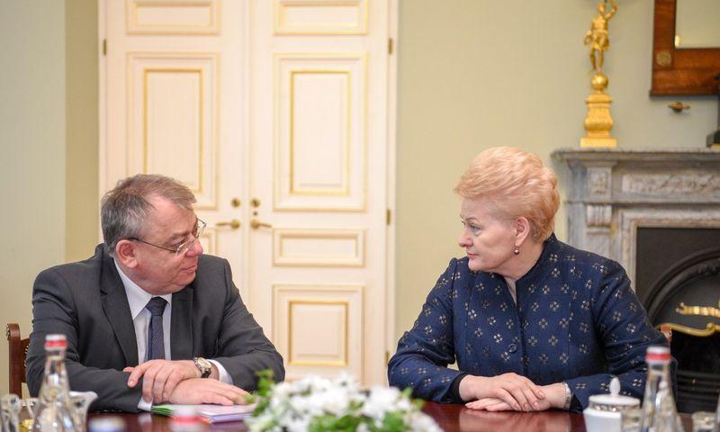 Prezidentė Dalia Grybauskaitė susitiko su pirmą kartą į Lietuvą atvykusiu Europos audito rūmų pirmininku Klausu Heineriu Lehne. Roberto Dačkaus (Prezidento kanceliarija) nuotr.