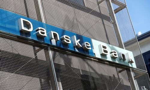 """Įsiutę """"Danske Bank"""" akcininkai vadovams užkūrė klausimų pirtį"""