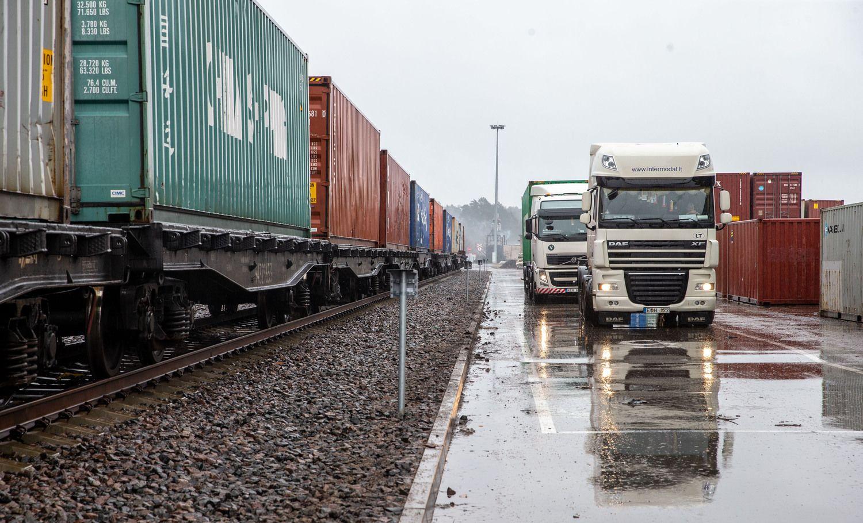 Krovinių pernai vežta beveik 12% daugiau