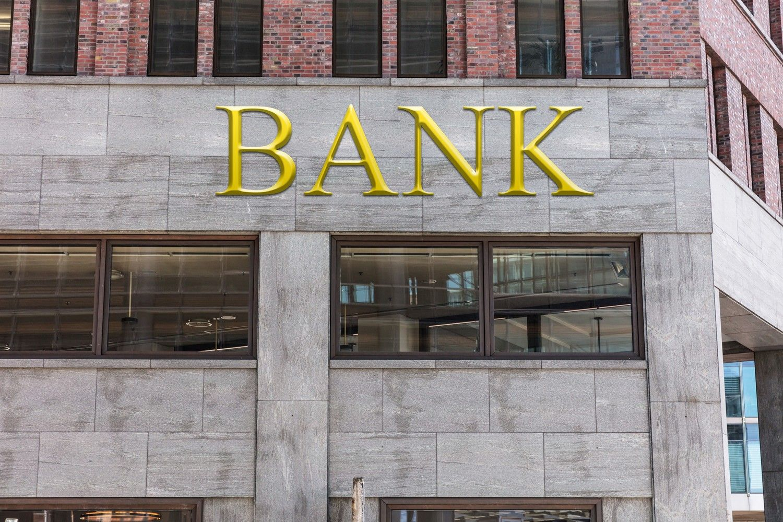 Lietuviams kol kas nepavyksta įsigyti banko Paryžiuje