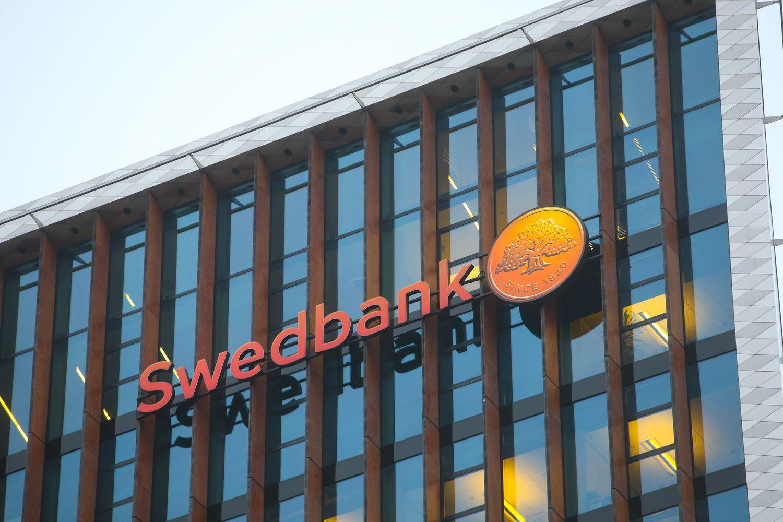 """LB: lietuviškojo """"Swedbank"""" klientai pinigų plovimo schemoje nedalyvavo"""