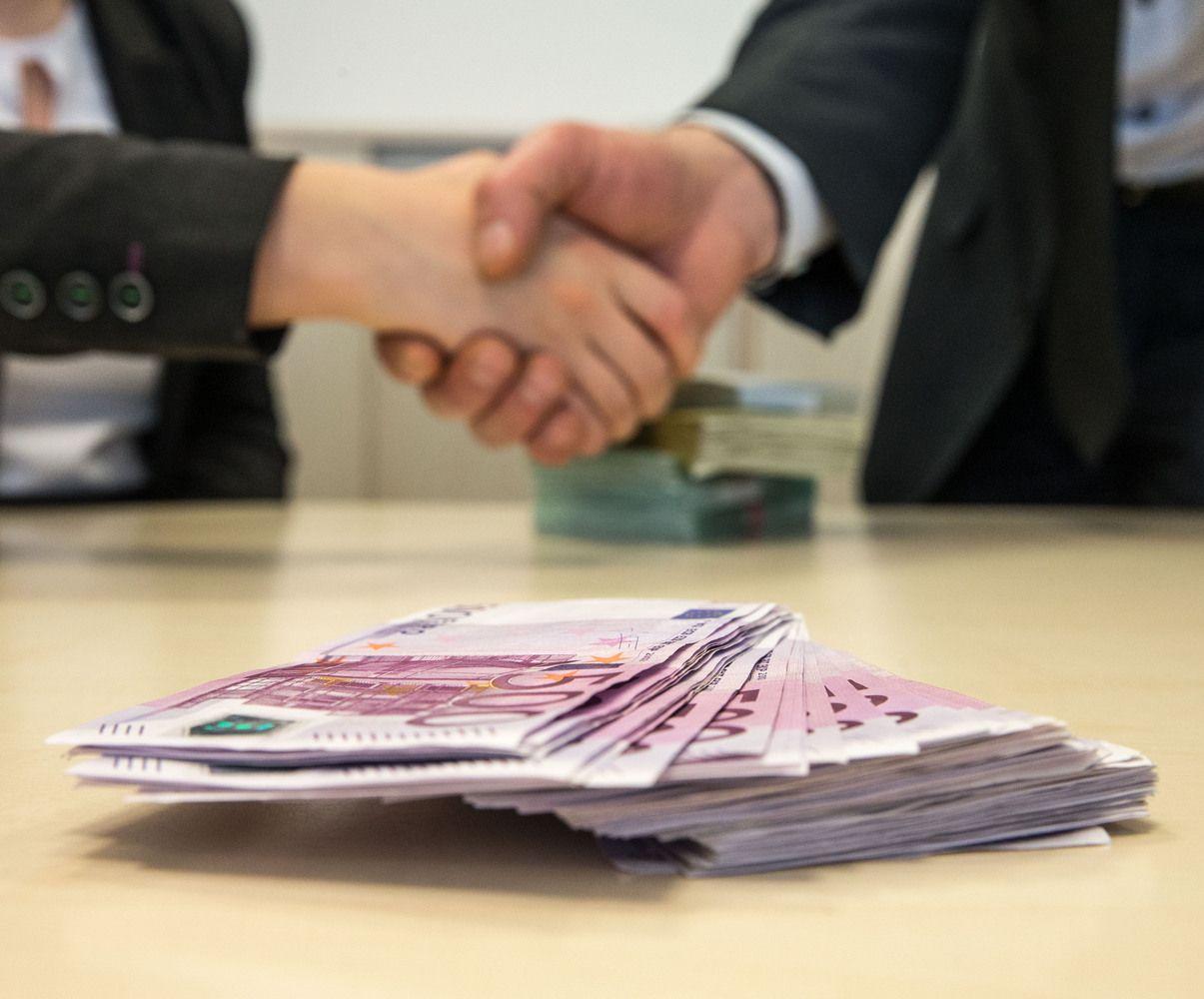Korupciniai žaidimai, kurie vyksta už akcininkų nugaros