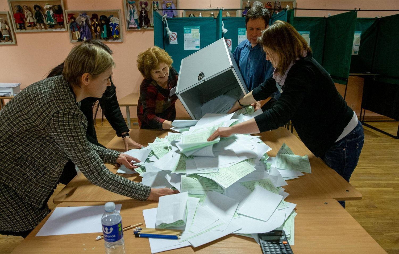 EP rinkimuose nori dalyvauti dvi dešimtys kandidatų sąrašų