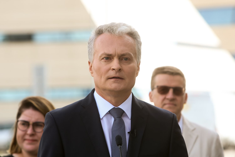 Prezidento rinkimų apklausoje G. Nausėdos reitingas smuktelėjo