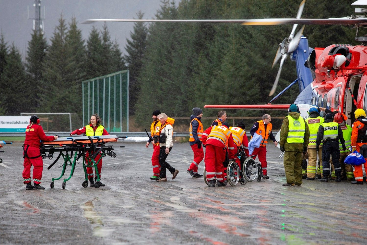 Kruizinislaivas plaukia į Norvegijos Moldės uostą,keleivių evakuacija baigta