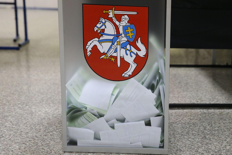 Koncertą organizavusią kandidatę į merus Mažeikiuose VRK pripažino papirkus rinkėjus