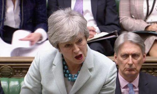 """Th. May: kol kas balsavimo dėl """"Brexit"""" susitarimo nebus"""