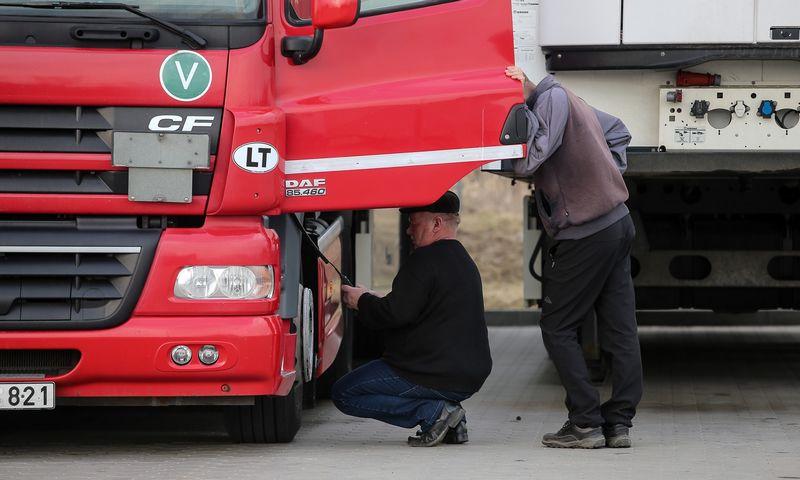 Specialistai įspėja, kad vairuotojų trūkumo problema turės rimtų padarinių Europos ekonomikai ir didins įmonių bei vartotojų išlaidas. Vladimiro Ivanovo (VŽ) nuotr.
