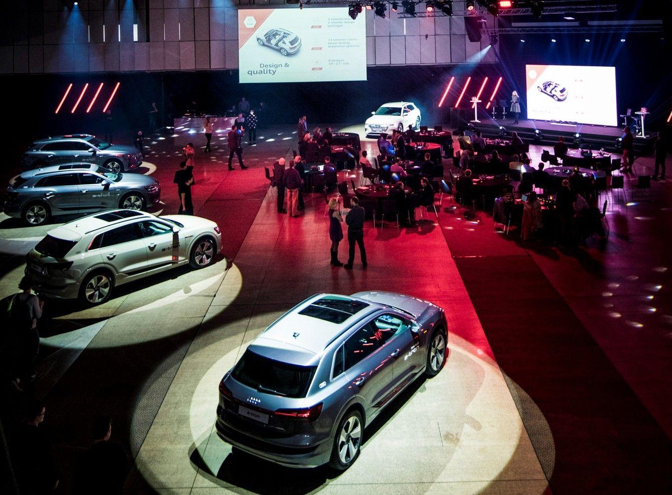 """Lietuvoje – pirmasis oficialus """"Audi"""" elektromobiliopasirodymas"""