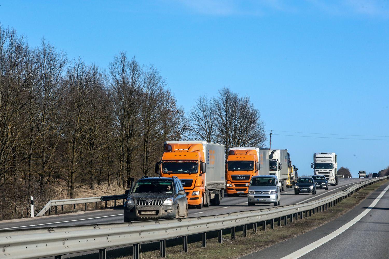 Transporto ir logistikos įmonių pernai įgytas pagreitis šiemet neišsikvėps