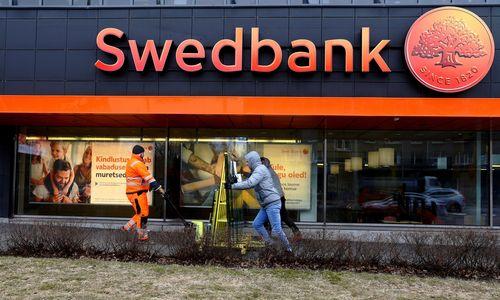 "Švedijos ""Swedbank"" atliktos kratos"