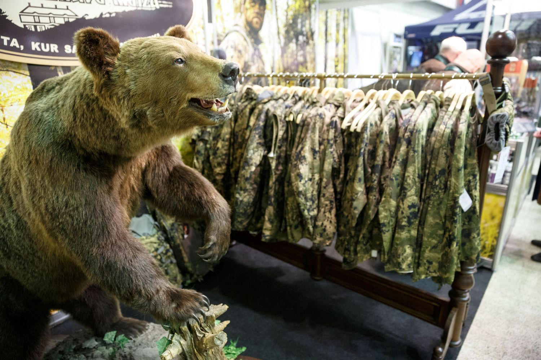 Pirmą kartą skelbiami vieši elektroniniai aukcionai medžioklės plotams