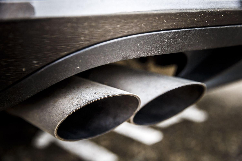 EP pritarė griežtesniam automobilių taršos ribojimui