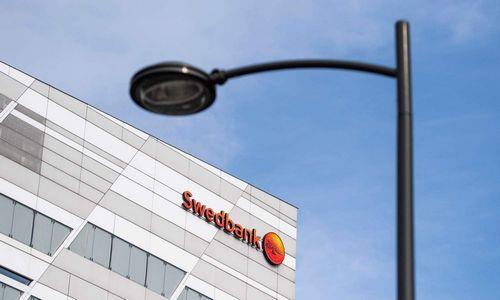 """""""Swedbank"""" vadovams ir akcijoms – itin karšta savaitė"""