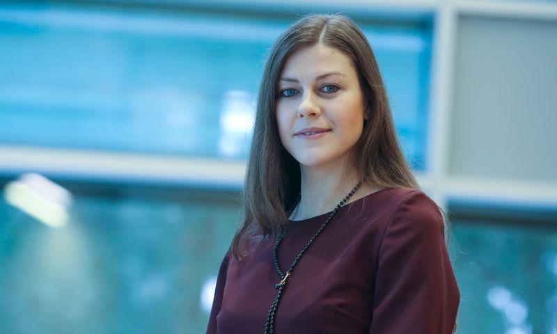 """Indrė Genytė-Pikčienė, vyriausioji """"Luminor"""" analitikė. Vladimiro Ivanovo (VŽ) nuotr."""