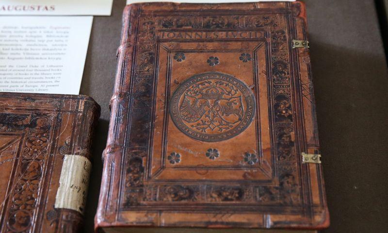 """Paroda """"Vienintelės išlikusios: rečiausios pasaulio knygos"""". Vladimiro Ivanovo (VŽ) nuotr."""