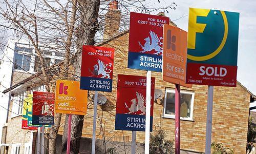 Būsto kainos Anglijoje krito pirmą kartą nuo 2012-ųjų