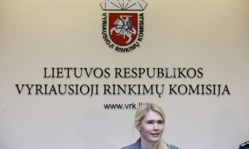Lauros Matjošaitytės vadovaujama VRK įregistravo pirmuosius oficialius kandidatus į prezidentus. Vladimiro Ivanovo (VŽ) nuotr.